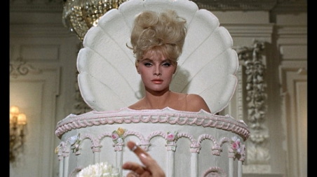 """Virna Lisi:Hollywood blockbuster """"How to kill your wife"""" (1965)."""